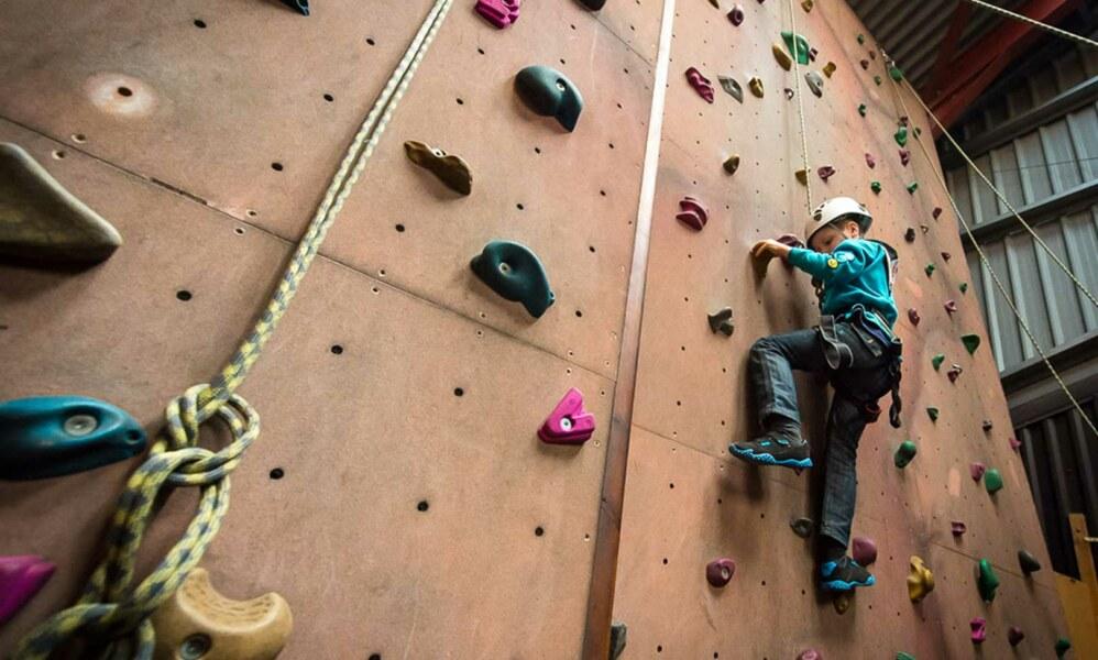 indoor-climbing-fi-1-998x600